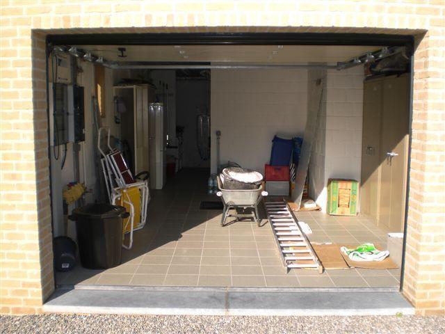 garage buanderie 1. Black Bedroom Furniture Sets. Home Design Ideas